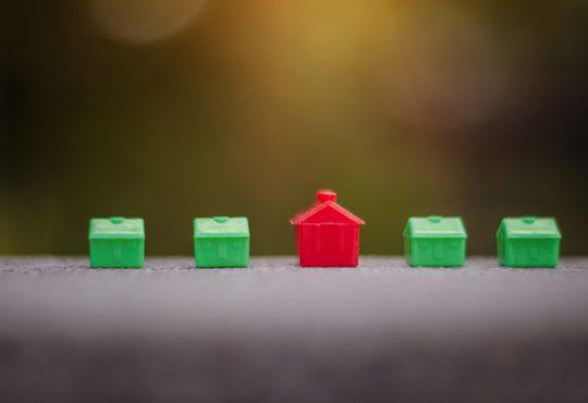 Salgono le compravendite immobiliari da parte degli investitori