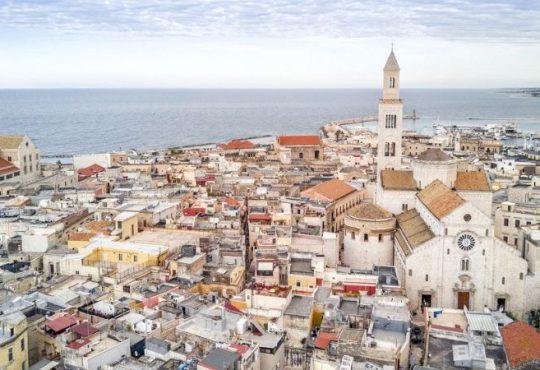 Bari, Toninelli e Bonafede firmano protocollo per nuovo polo giustizia Bari