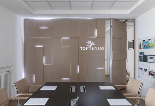 Shine: una parete manovrabile di design per dividere gli spazi