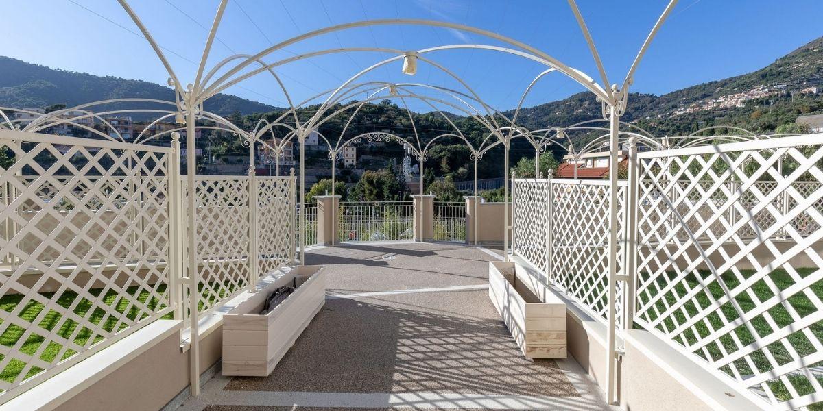 IPM GeoDrena®riqualifica le pavimentazioni esterne di PalazzoAlasia, ad Alassio